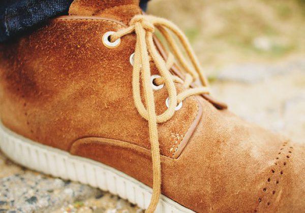 איך מנקים נעלי זמש?